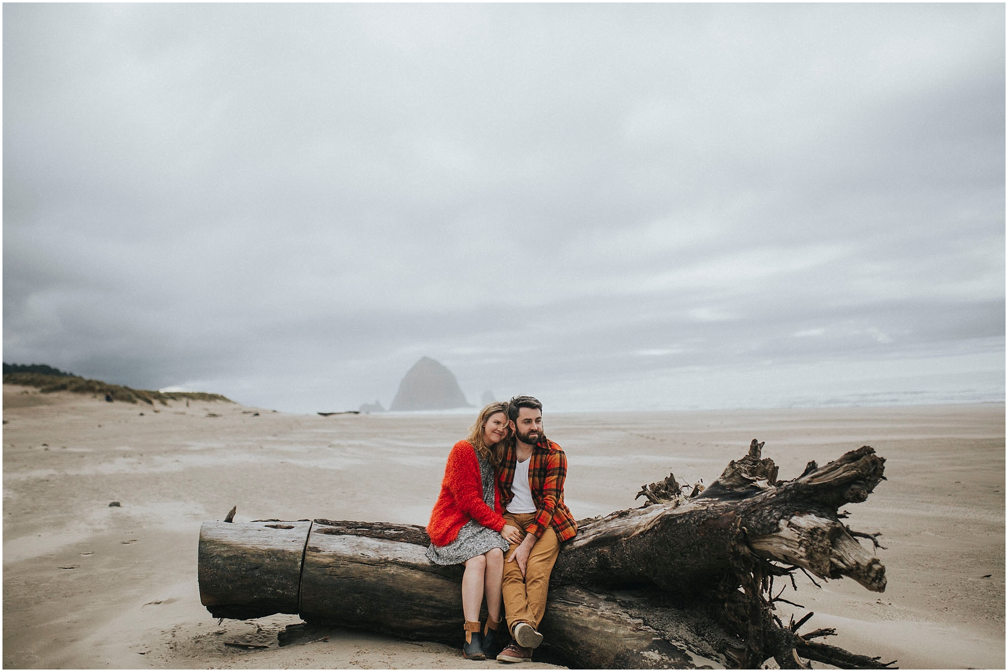 cannon beach oregon engagement photography